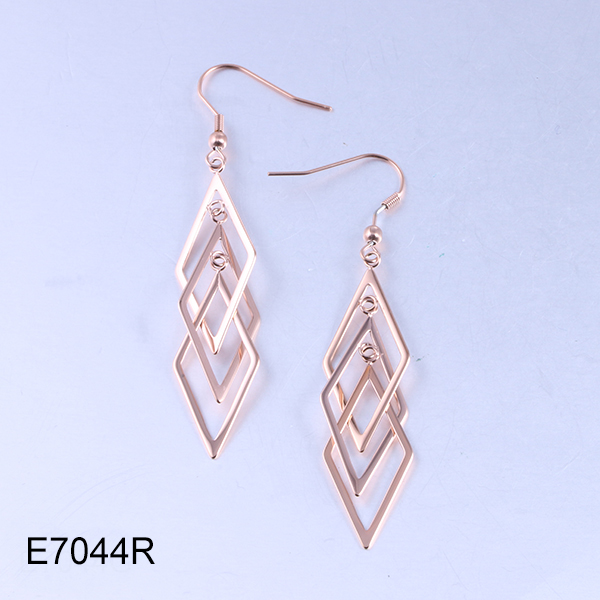 E7044R rose gold triple-diamond drop earrings